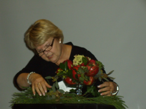 Renee Bayes creates a table centerpiece design